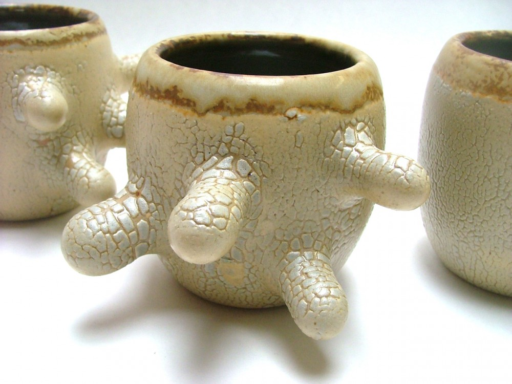 scaley-digit-cups